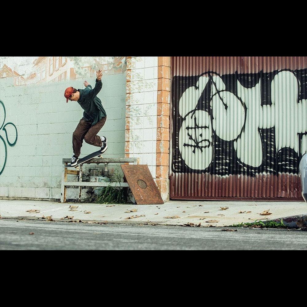 WKND  (ウィークエンド スケートボード) : JOHAN STUCKEY – CAVE