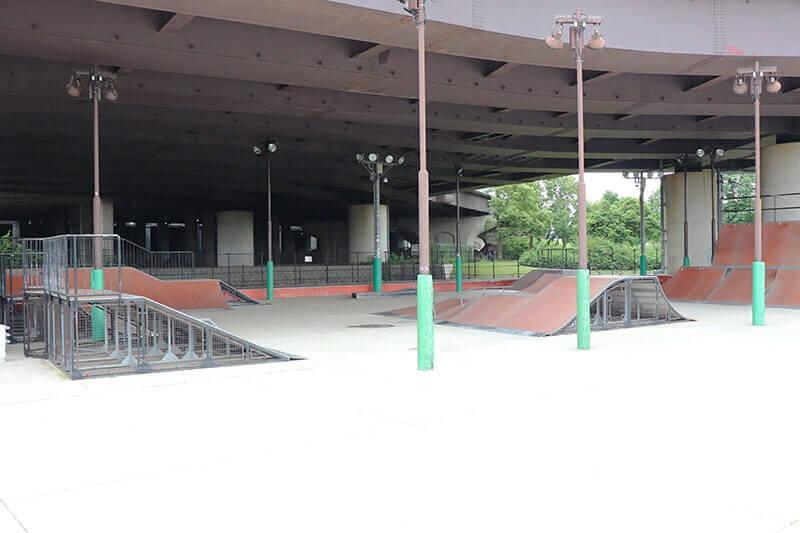 スケートパーク 新横浜公園スケボー広場