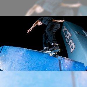 MAXALLURE (マックスアルーア スケートボード) から、プロモ映像 BORN FREE が公開